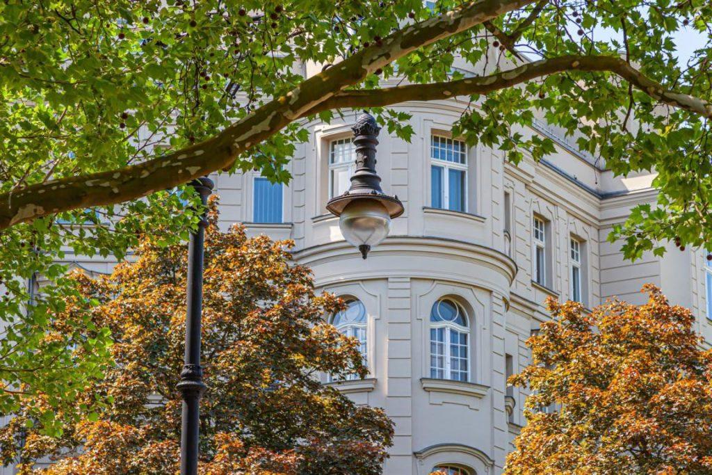 Immobilienmakler in Westend - Häuser, Wohnungen, Grundstücke